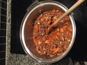 Kødsovs til paleolasagne med champingon og gulerødder